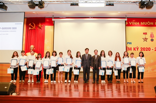 Samsung Vietnam helps develop Korean studies in Việt Nam