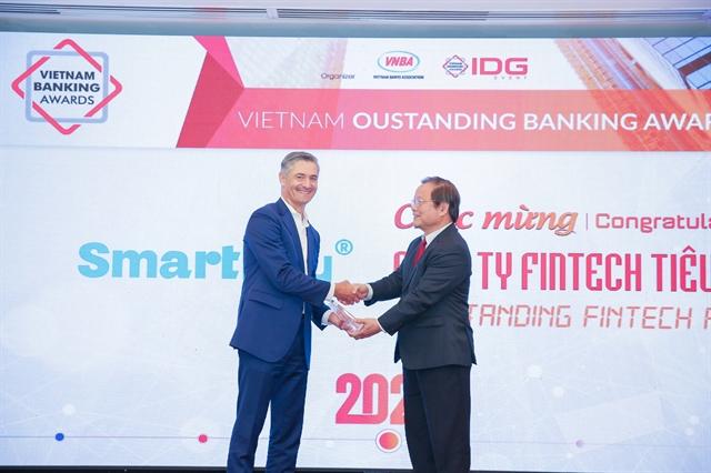 SmartNet receivesVietnam Outstanding Fintech Award 2020