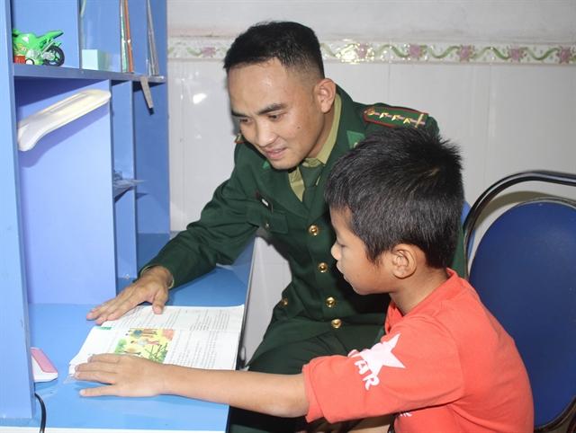 Border guards fosterdisadvantaged children in Ninh Bình