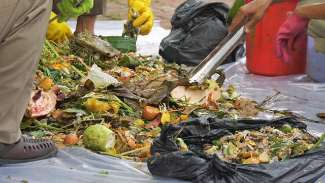 Long An Bình Thuận begin waste classification at source