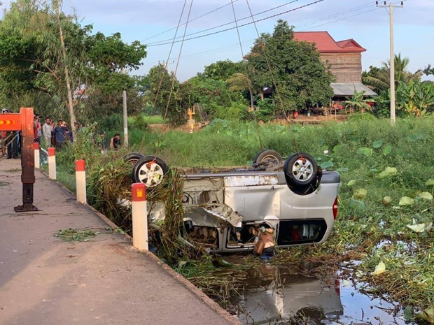 Six Vietnamese killed five injured in traffic accident in Cambodia
