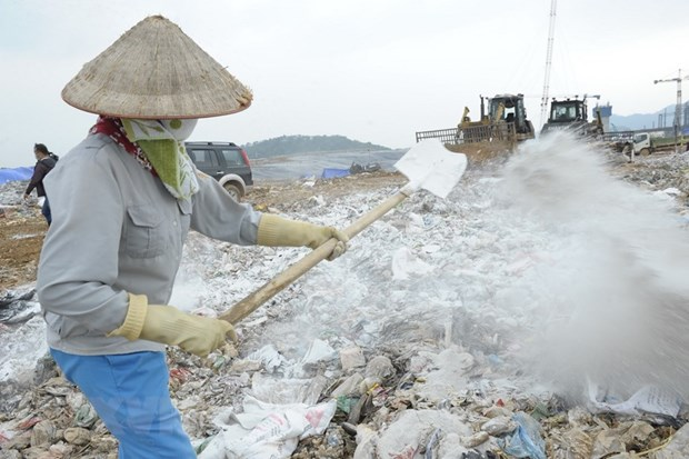 Hà Nội struggles to deal with landfill pollution