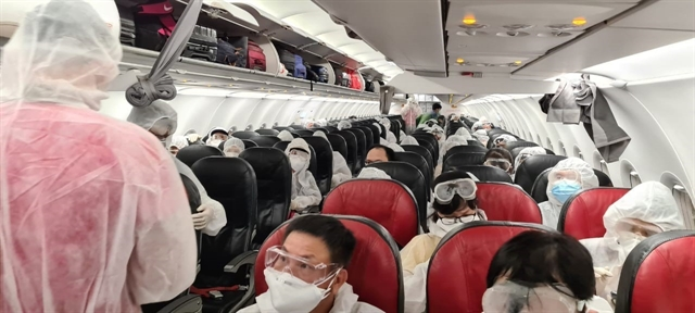 Passengers failing to wear masks on flights face fine of 130