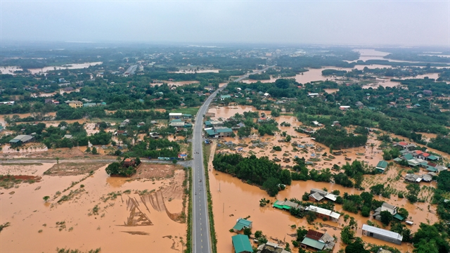 PM Phúc calls for co-ordinated post-floods recovery efforts