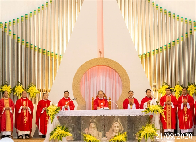 Christmas comes early for Đồng Nais Catholic community