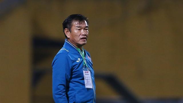 Coach Hùng takes job atBình Dương after leavingQuảng Ninh