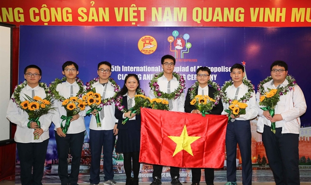 Vietnamese students win five gold medals at Intl Olympiad of Metropolises