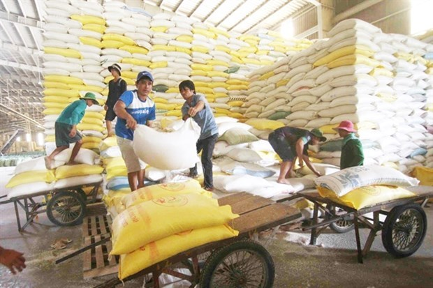 Rice farmers benefit from emissions reduction programme