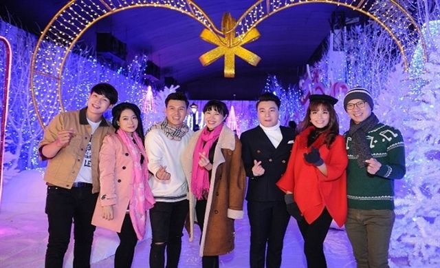 Chilly snow village in HCM City attracts hundreds of visitors