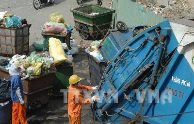 Citysets aside land forwaste transfer stations