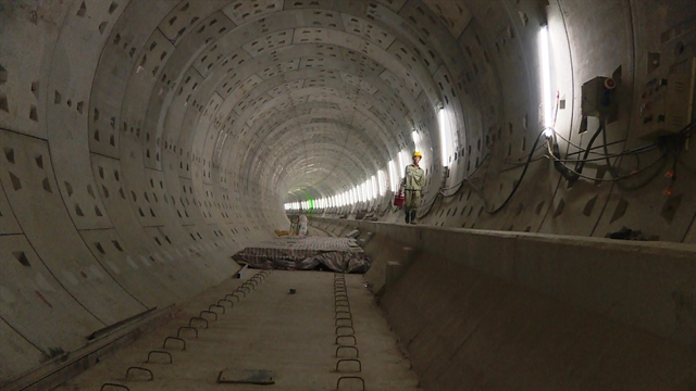 HCM City first metro line fully linked track to be laid for operation next year