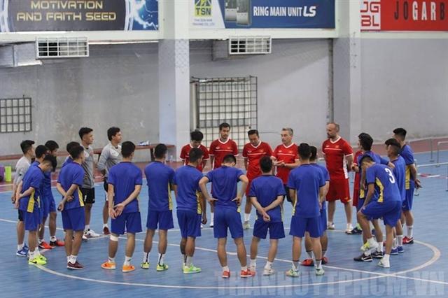 Futsal team tosharpen skills in Spain