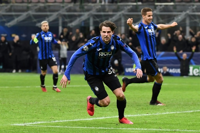 Atalanta thrash Valencia to close in on Champions League quarters
