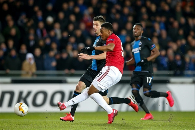 Martial grabs key goal for Man Utd in Bruges
