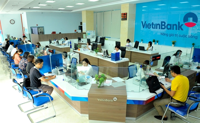 VN stocks fall as investors look for short-term profits