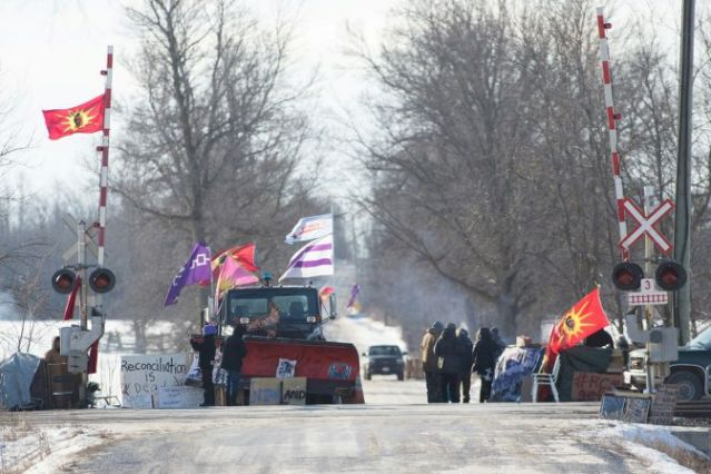 Police in Canada clear rail blockade by indigenous protesters