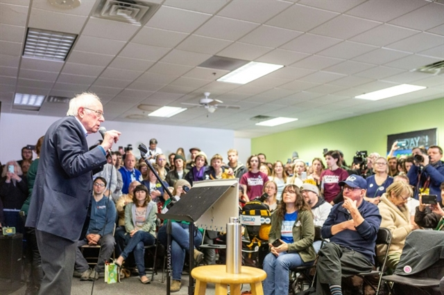 Crunch time: Democrats make final pitch in Iowa before first US vote