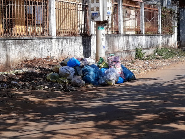 Garbage piles up poses threat in Đắk Lắk