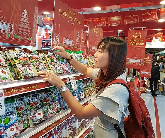 Vietnamese products to join forces with large retailers e-commerce platforms