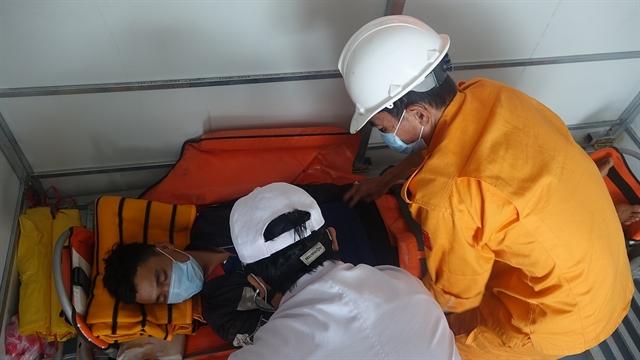 Ill fisherman saved off Hoàng Sa Islands
