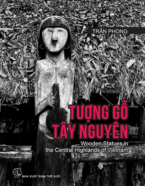 Veteran photographer launches book on Central Highlands culture