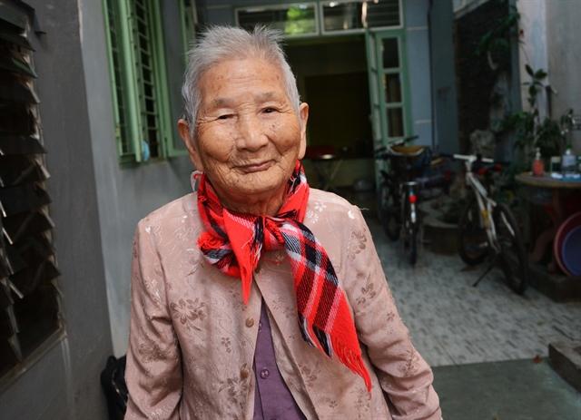 Heroic mother donates VNĐ5 million for fight against virus