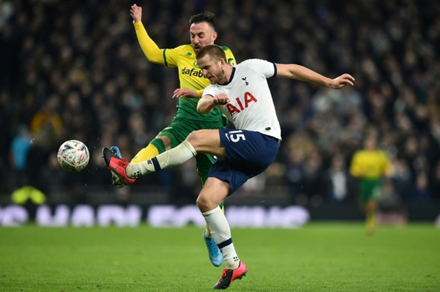 Dier jumps into stands as Tottenham crash out of FA Cup