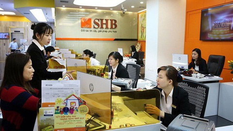 Moodys places five VN financial institutions on review for downgrade