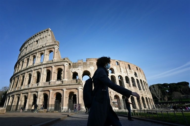 Tourist hotspot Italy turns into virus no-go zone