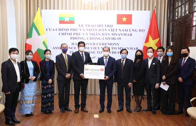 Việt Nam presents US50000 for Myanmars COVID-19 fight