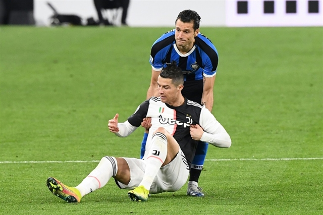 Top Italian doctor against May restart for Serie A