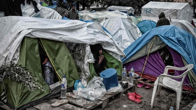 Death sparks unrest at major migrant camp in Greece