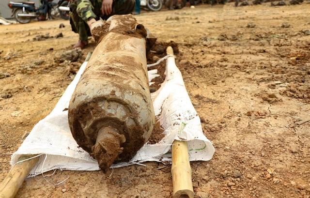 War-time cluster bomb safely disposed of in Điện Biên