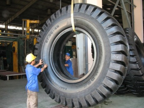 Lower rubber and oil prices increase profit for tyre firms