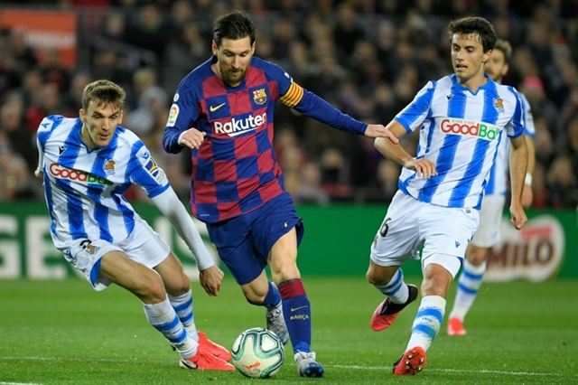 Spanish govt says no guarantee football resumes before summer