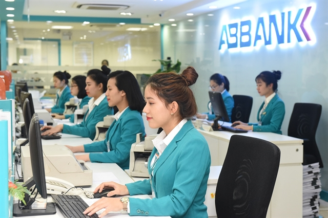 ABBANK donates 84800 to Bạch Mai Hospital