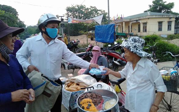Locals help spread information on COVID-19 in their own ways