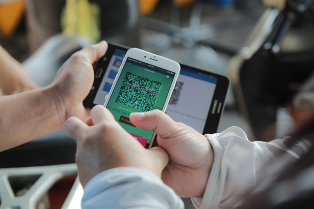 Hà Nội promotes cashless payment e-commerce