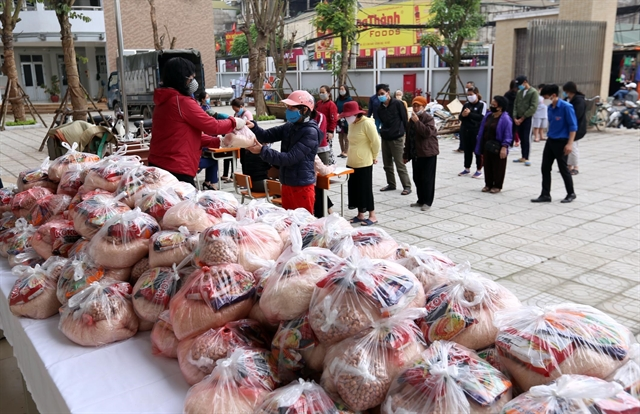 Hà Nội earmarks 28.2m for the poor amid COVID-19 pandemic