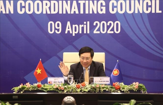 ASEAN ministers look into coordinating measures to curb COVID-19