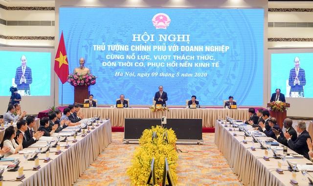 PM Phúc tells Việt Nam to restart the economy