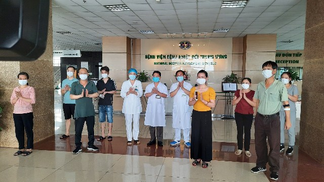 Eight more COVID-19 patients in Việt Nam recover total hits 249
