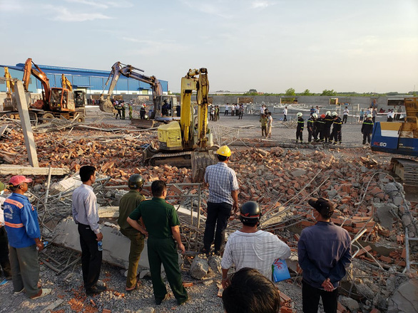Ten people killed several injured in Đồng Nai wall collapse