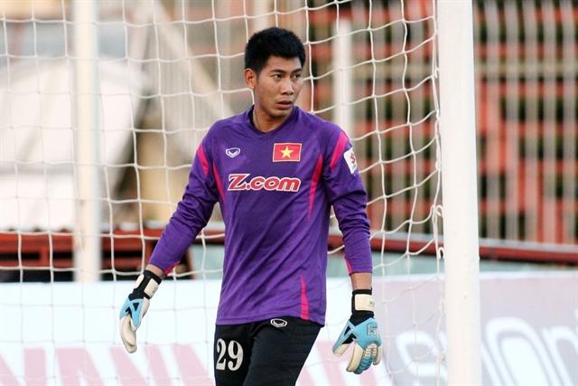 Goalkeeper Tuấn Mạnh bids farewell to Sanna Khánh Hòa