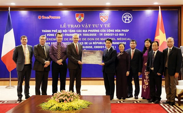 Hà Nội gifts 200000 Vietnamese-made masks to French localities