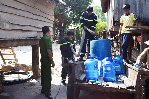 Đắk Lắk provides nearly 24000 litres tap water for drought-affected residents