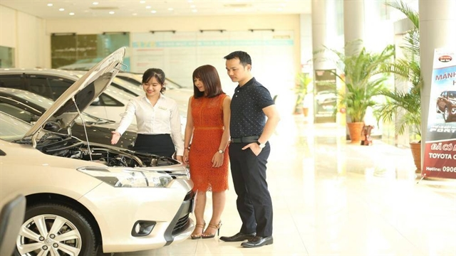 Prime Minister cuts registration fee for locally-manufactured car buyers