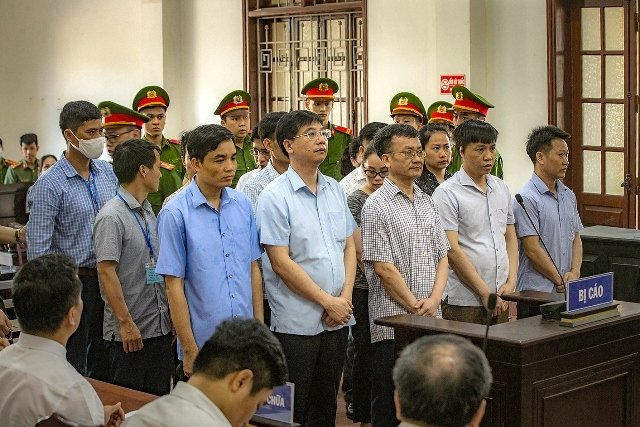 Hòa Bình Court sentences 15 in high school exam cheating scandal