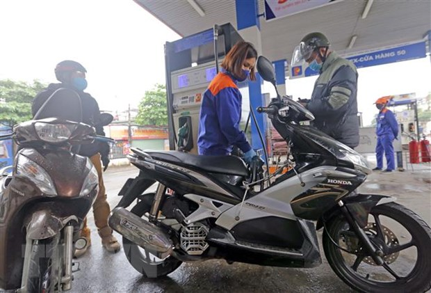 Petrol stations hoarding face strict punishments