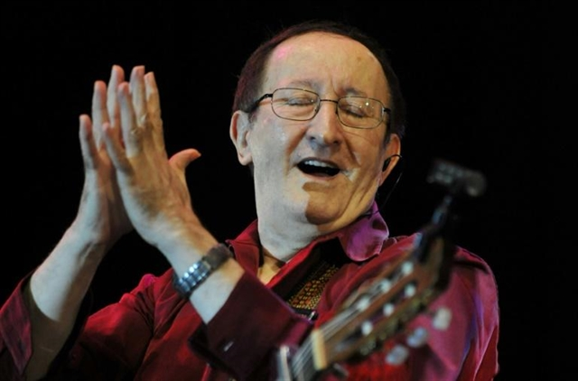 Revered Algerian singer and Berber idol Idir dies at 70